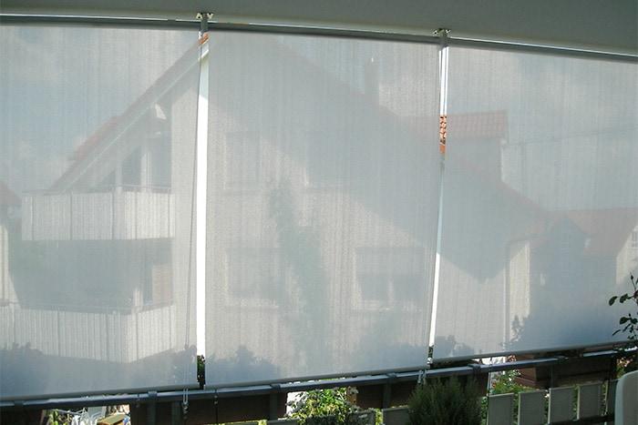 sonnenschutz sichtschutz fr den balkon sonnenschutz balkon terrasse mit sonnensegeln. Black Bedroom Furniture Sets. Home Design Ideas