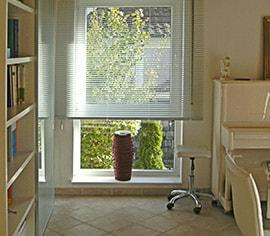 sonnenschutz innenliegender sonnenschutz f r wohnungen und h user. Black Bedroom Furniture Sets. Home Design Ideas